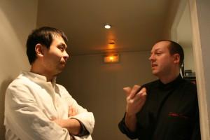 オーナーシェフ同士のふたり、日仏と料理の分野が違えどお互いに刺激し合って腕を振るった